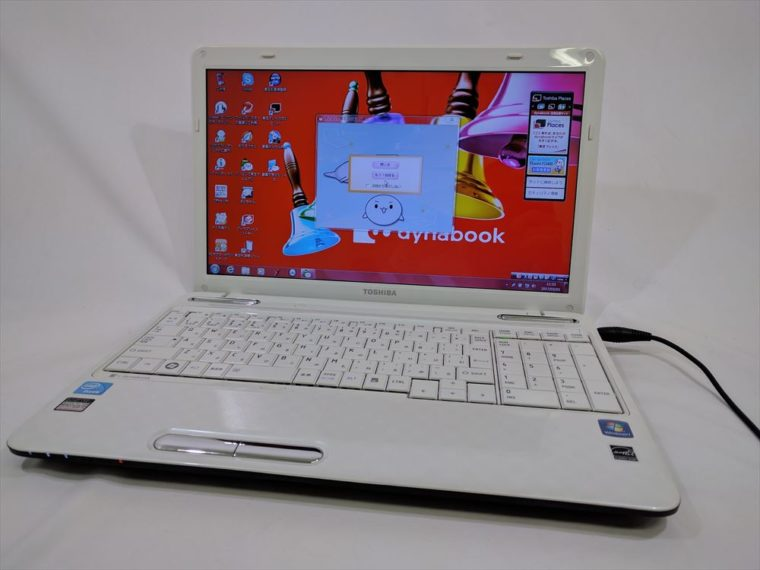 dynabook EX/47DWHT PAEX471DSTWT(中古ノートパソコン)写真