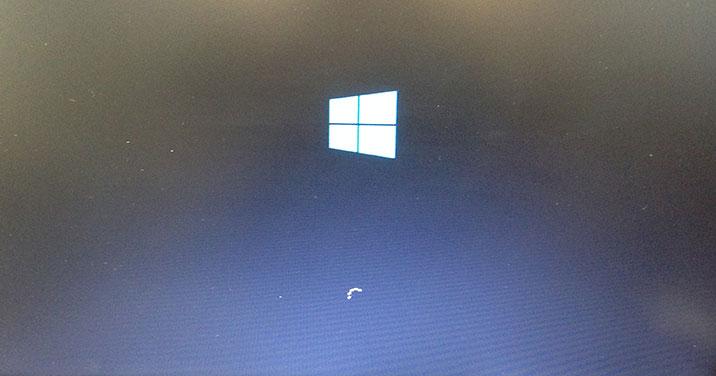 デスクトップパソコンが起動しない/富士通 Windows 10のイメージ